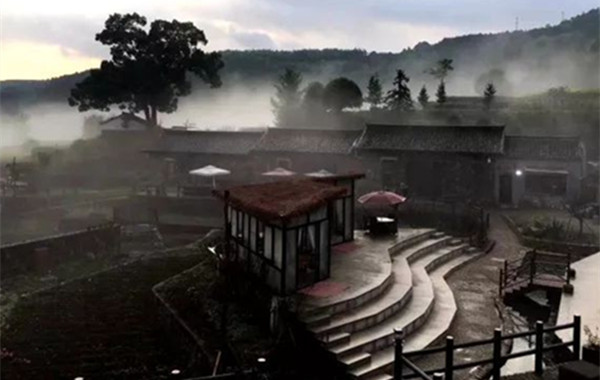 """若在古代这石头民宿就是一座城池,住下,当这里的""""王"""""""