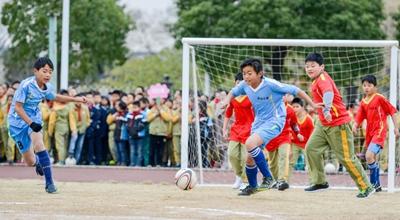 长兴乡村小学刮起足球旋风