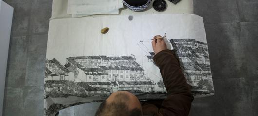"""他是""""画说杭州第一人"""" 30年专画运河风情"""