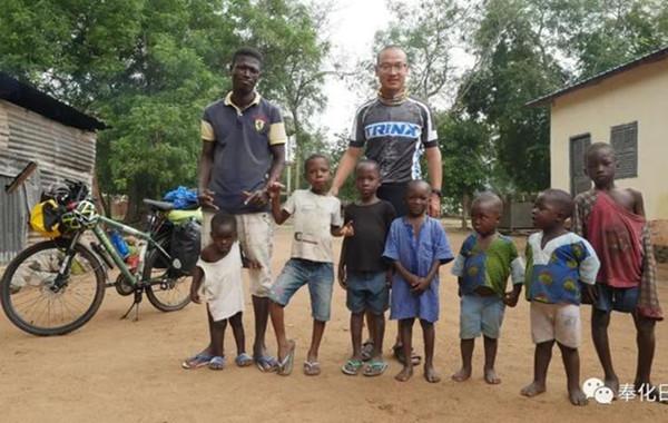 奉化小伙独自骑行16个国家 接下来他要做件更有意义的事
