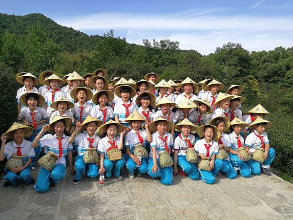 周浦小学举办一年一度学茶日活动