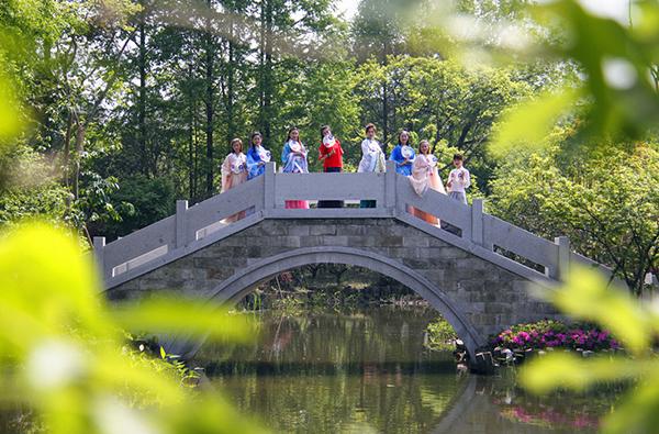 西湖区双浦镇今年新增10个农村文化礼堂