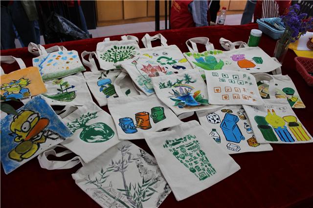 """嘉长里短丨趣绘""""创意""""环保袋 宣传垃圾分类"""