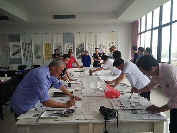 双浦镇杭富村有支技艺精绝的农民书画队