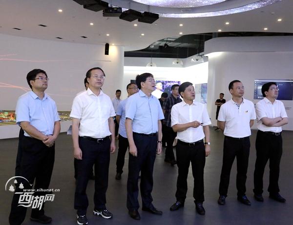 20180824(视频)黄建发调研云栖小镇相关工作