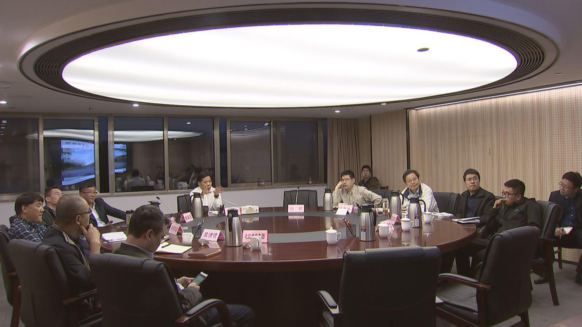 20181016(视频)章根明在铜鉴湖大道绿化设计专题会议上强调
