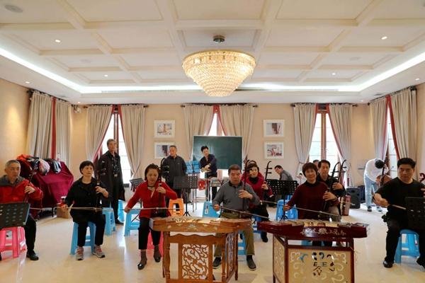 蒋村民乐队携手余杭翡翠社区开展文化走亲活动