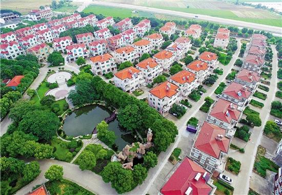 盐碱地建起生态村