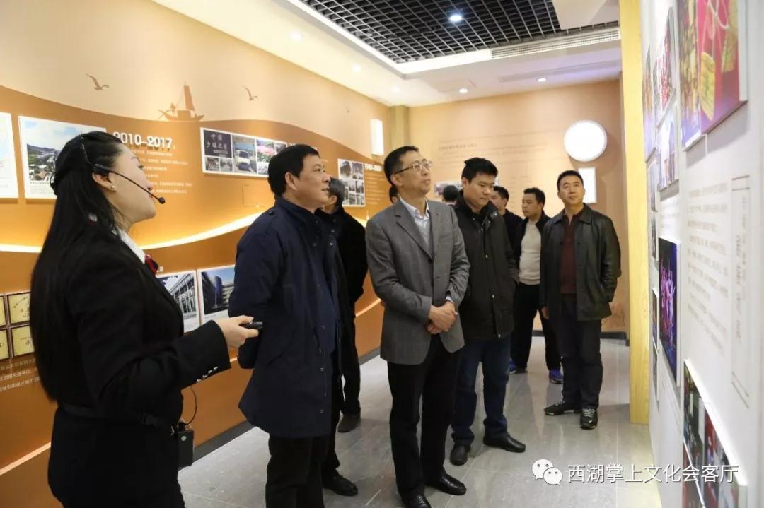 省委宣传部副部长王四清一行调研西湖区文化家园和美丽乡村建设情况