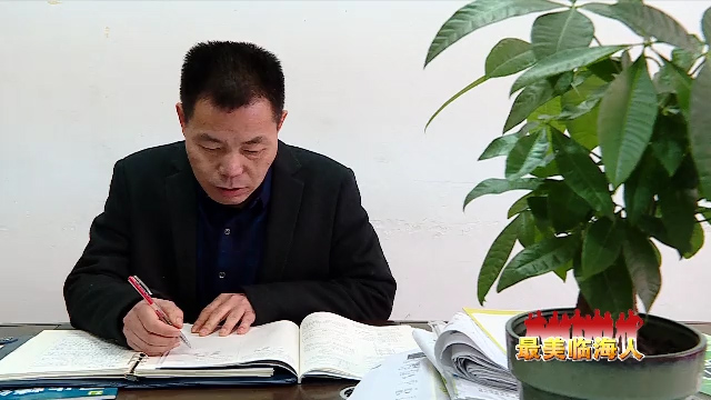 """何贤赏:逐梦雪域高原 让知识的""""格桑花""""遍地绽放"""