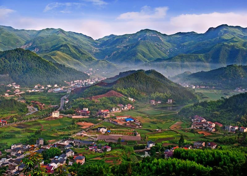 """安吉章村镇:绿水青山谋发展  农民""""深闺""""觅知音"""